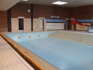 Nichtschwimmerbecken leer - Hallenbad Pohlheim