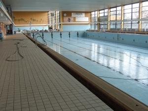 Schwimmerbecken leer - Hallenbad Pohlheim
